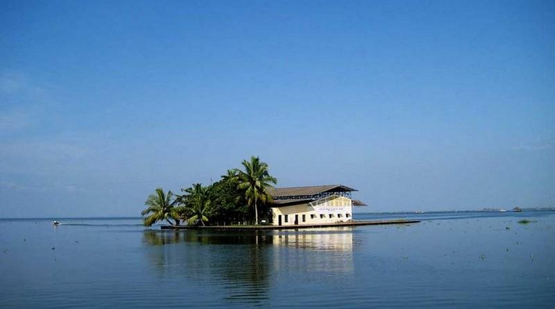 munnar-backwaters-tour