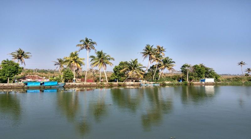 munnar-backwaters-and-beach-holiday