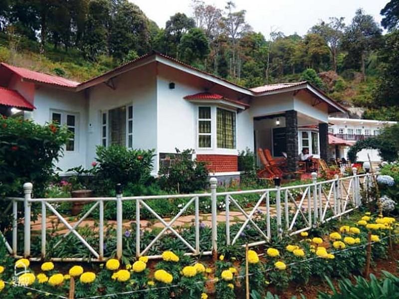 luxury-munnar-houseboat-package